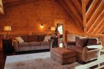Elk Lodge Loft king suite