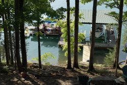 Hurricane Hideaway- Lakefront Home w/Bunk House with Private Covered Dock near Hickory Star Marina
