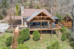 Norris Lake Escape~Lakefront with Gorgeous Lake views