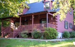 Hoof Haven - Cozy, Beautiful Cabin near Norris Lake with a Jacuzzi