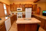 El Dorado Ranch Rental - kitchen