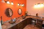 San Felipe vacation rental house - casa roja: Master bathroom