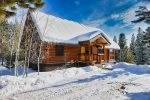 Red Elk Lodge - private setting close to town.