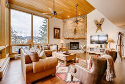 Potato Patch Club home in Vail - short walk to bus and short drive to Town areas
