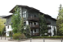 Vorlaufer 2 bed 2 bath Condo in the Heart of Vail Village