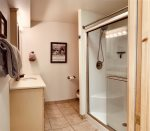Palisade Pines:  Lower Level Bathroom
