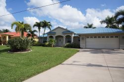 Sol Mate - Cape Coral 3b/2ba deluxe home w/electric heated pool, contemporary furnished, gulf access canal, near Cape Harbor, HSW Internet, Boat Dock wth Lift