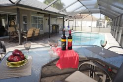 Cabana Del Sol - SW Cape Coral 3b/2ba home w/electric heated pool, HSW Internet,