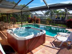 Villa Yvonne - SW Cape Coral 3b/2ba Solar Pool, Electric Heated Spa,  HS Internet, Southern Exposure,