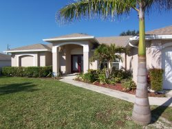 Paradiso - Cape Coral 3b/2ba Offwater Home, Electric Heated Pool, Nicely Furnished, HS Internet,