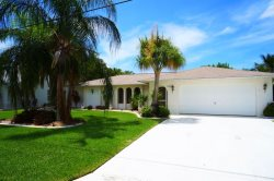 Happy Days - SE Cape Coral, 3b/2ba Pool Home, Gulf Access, Solar heated Pool, Boat Dock w.Lift,