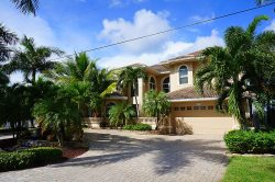 Palm Villa - Estate Home with All Amenities&#59; Waterfront Gulf Access, Boat Lift, Kayak Access SPECIAL RATE FOR JANUARY 2017