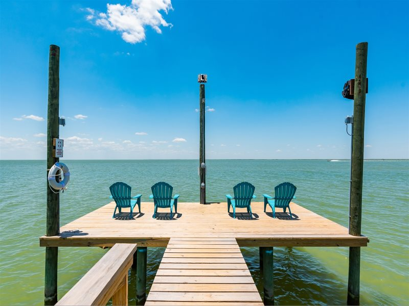 Spectacular Year Round Sunsets Over Copano Bay From This Newly Built Bayfront Home With Private Lighted Fishing Pier