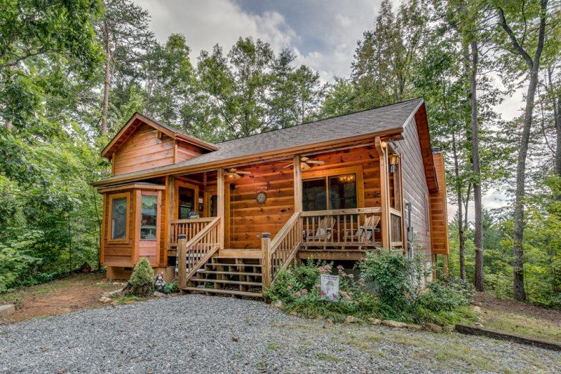 Cuddle Up Cabin Rentals