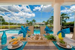 Hagen's Hideaway - Pool Area with Jacuzzi and Large Boat Dock