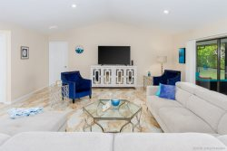 Flamingo House - Family Friendly - Walking Distance to Tarpon Point