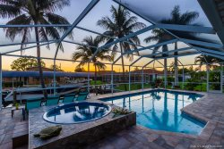 Bailey Rose - Luxury Home on a Sailboat Access Canal