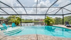 - New Listing - Silhouette -Luxury Home with Outside Kitchen and Lounge Area -