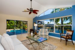 Summer Breeze - Southern Facing Gulf Access Location - Pool & Spa