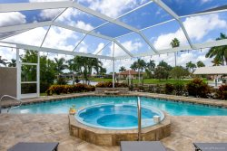 Coral Rose - A Sailboat Access Home - Pet Friendly -
