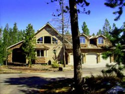 Silverhawk Lake House - Exclusive Lakefront Luxury Home Private Boat Dock - Stay in style at this beautiful home!