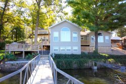 4 Bedroom Home with Guest House, Great Dock in Cove with Main Channel View