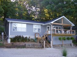 Summerset House - Great Ranch Home, Vaulted Lakefront Deck.  4 MM Gravois Arm, Mill Creek Cove