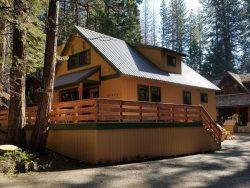 Toste Cabin   Beautiful newer East Village cabin