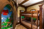 Kids room with 2 full bunk beds