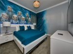 King bed Astronaut room