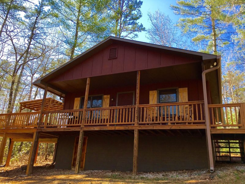 2 Bdr Pet Friendly Vacation Cabin Near Chattahoochee National Forest And  Helen GA | Chimney Mountain 5