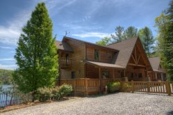 Copper Canyon - Exquisite Lakefront Home near Helen, CeNita Vineyards and Yonah Mountain Vineyards