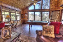 Vista Ridge - Secluded, Romantic 1 Bedroom Cabin - Helen GA with Outstanding Mountain Views