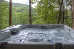 Main level deck with outdoor dining table for 4