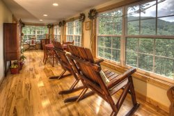 The Retreat - Secluded and Romantic Couples Cabin with Amazing Yonah Mountain Views