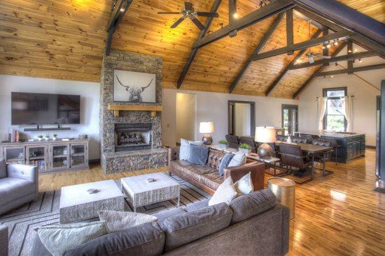 Six to Eight Bedroom Cabin Rentals in Helen, GA | Pinnacle