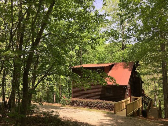 The Best Helen GA Rentals With a Hot Tub | Pinnacle Cabin Rentals