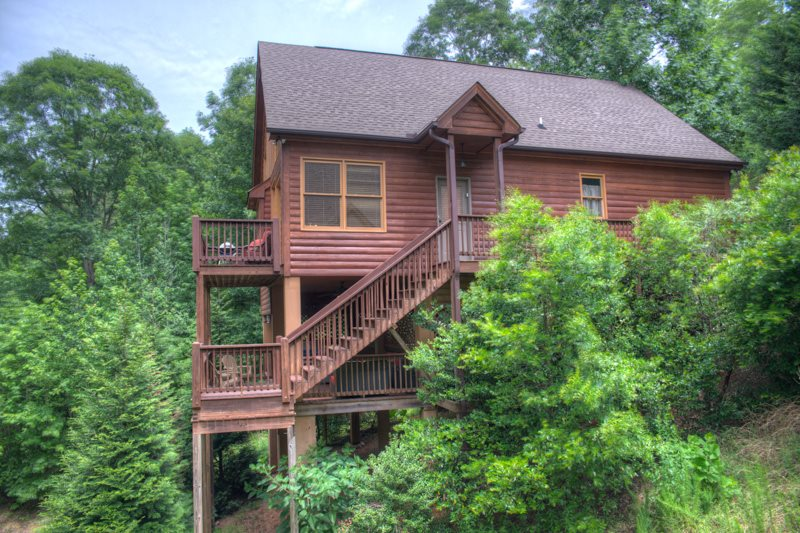 Upscale Cabin Rental In Innsbruck Near Helen, GA Includes Lovely Creek And  Golf Course Views