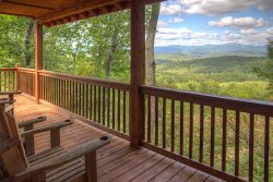 Matterhorn - Rustic and Upscale with Amazing Mountain Views, near Helen, GA