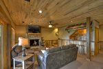 Crow`s Nest - Spiral Stairs