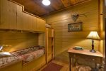 Tippy Canoe - Lower Level Bedroom w/ Twin Bunks