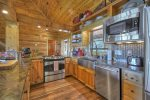 Wonderful Lodge - Jetted Tub and Walk-In Stone Shower