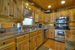 Grand Mountain Lodge - Fully Equipped Kitchen