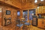 Blue Lake Cabin - Dining Area