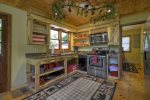 Toccoa Mist - Fully Equipped Kitchen