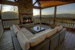 Bearcat Lodge - Screened-In Porch w/ Outdoor Seating