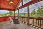 Bearing Haus - Private Screened-In Deck off Master Bedroom