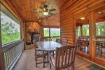 Bearing Haus - Screened-In Porch w/ Dining Area