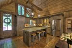 Hidden Escape - Fully Equipped Kitchen and Island