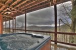 Long Mountain Lodge - Hot Tub